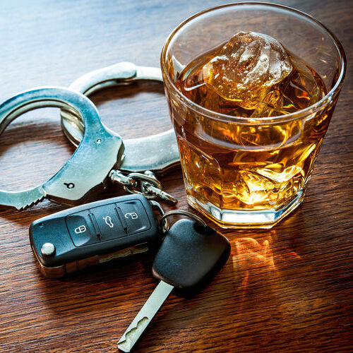 Picture of whiskey and keys evocative of DUI bail bonds